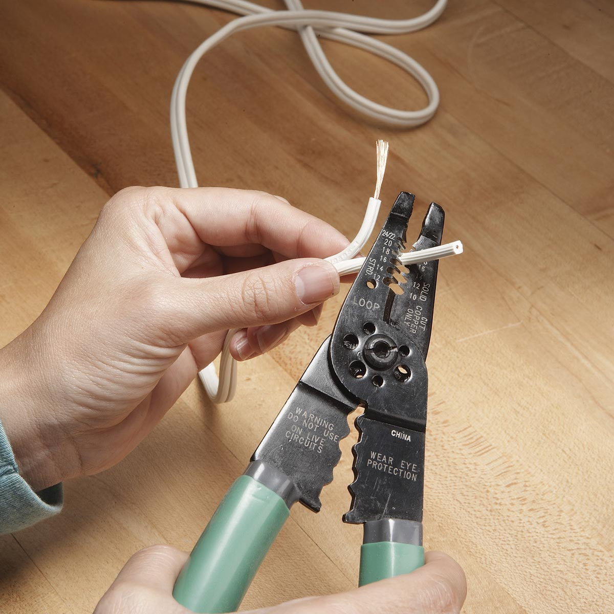 Fix A Lamp Cord | Family Handyman | The Family Handyman - Extension Cord Wiring Diagram